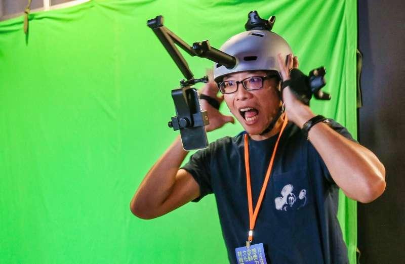 有些人體驗VR電影的過程往往容易有暈眩或腳懸空的恐懼(圖/文化+)
