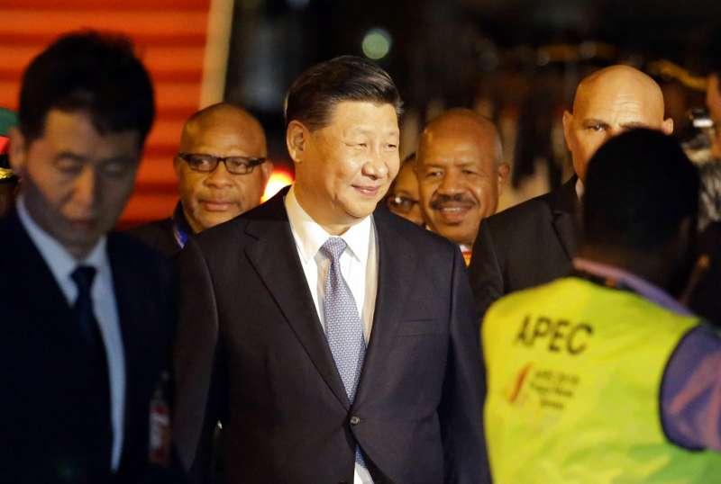 2018年亞太經濟合作會議(APEC)在巴布亞紐幾內亞登場,中國國家主席習近平15日先抵達巴紐進行國是訪問。(AP)