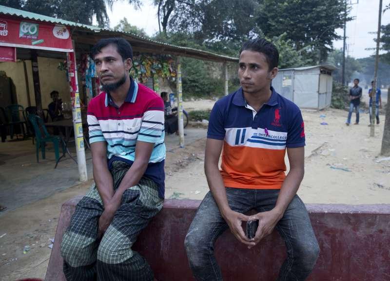 35歲的羅興亞難民努魯.阿敏(Nurul Amin)與23歲的穆罕默德.賽利姆(Mohammed Selim)住在孟加拉的加姆托利難民營,他們被列在第一批遣返名單上,而兩人都不願回緬甸(美聯社)