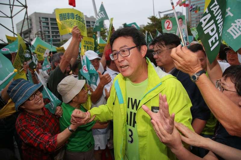 20181118-民進黨台北市長候選人姚文智18日出席「手牽手護台北-手護國家首都」活動,入場受到民眾熱烈歡迎。(顏麟宇攝)