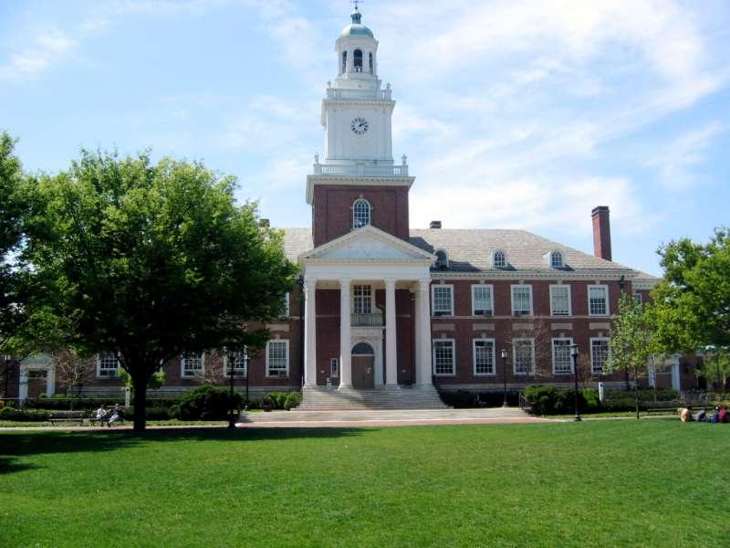 約翰霍普金斯大學創立於1876年,是全美第一所研究型大學。( Lester Spence @Wikipedia/CC BY 2.0)