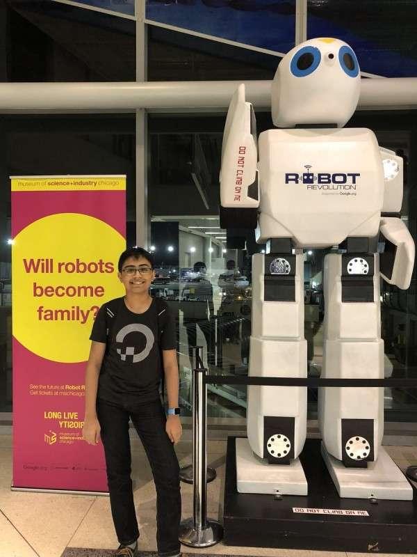 Tanmay Bakshi 認為,人類應該好好利用AI來提升智慧,把事情做的更好。(圖/智慧機器人網提供)
