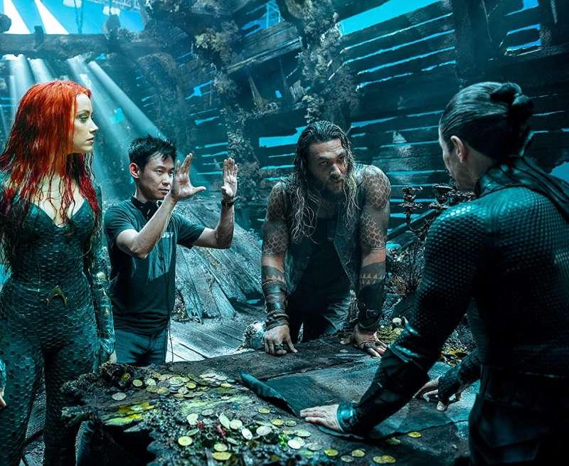 電影《水行俠》是由華裔導演溫子仁(左二)所執導。(圖/取自imbd官網)