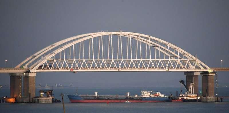 連接前烏克蘭克里米亞半島與俄羅斯塔曼半島的克里米亞大橋。(美聯社)