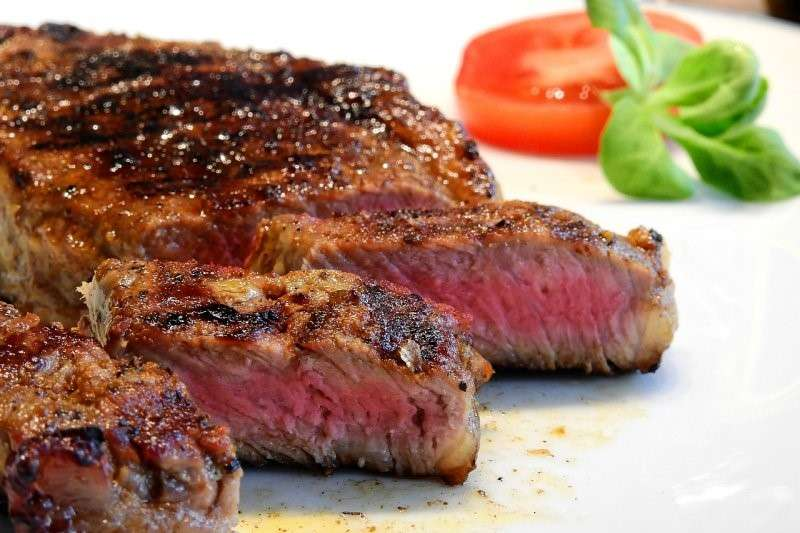 個人的體質適不適合吃肉,也和腸道菌息息相關(圖 / WerbeFabrik@pixabay)