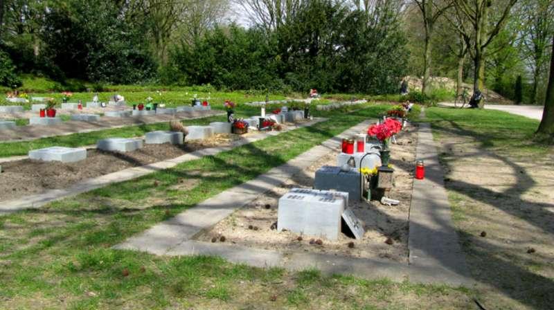 德國基督教組織安葬無人認領的遺體,並將死者名字刻在「安息之石」上。(圖/Ruhesteine e.V.|*CUP提供)