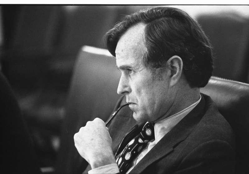 1976年,時任美國中情局長的老布希。(wikipedia/Public Domain)
