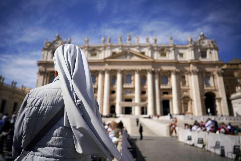 天主教教宗方濟各說,神父與修女都必須遵守獨身禁慾的誓言(美聯社)