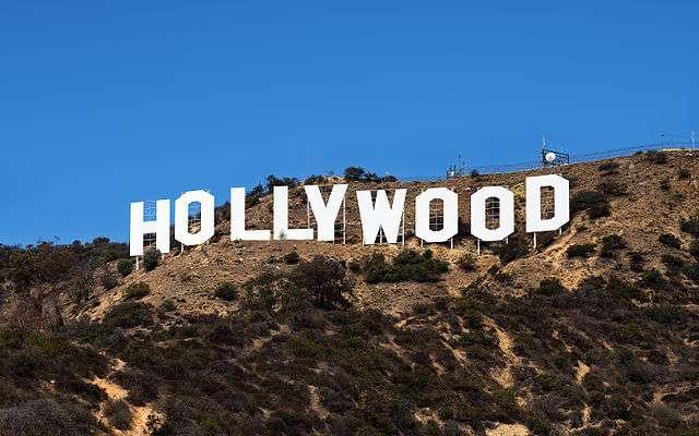 令人失望的知名景點,美國電影城好萊塢,並沒有想像中繁華,想見到明星去蠟像館比較快。(圖/網路截圖)