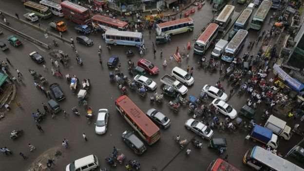 魯比父母以休假為名義將她帶到孟加拉。(圖/BBC中文網)