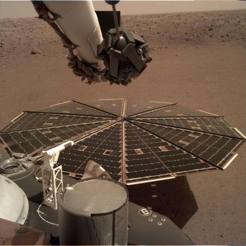 由洞察號配備的相機拍下的洞察號任務照片。(NASA)