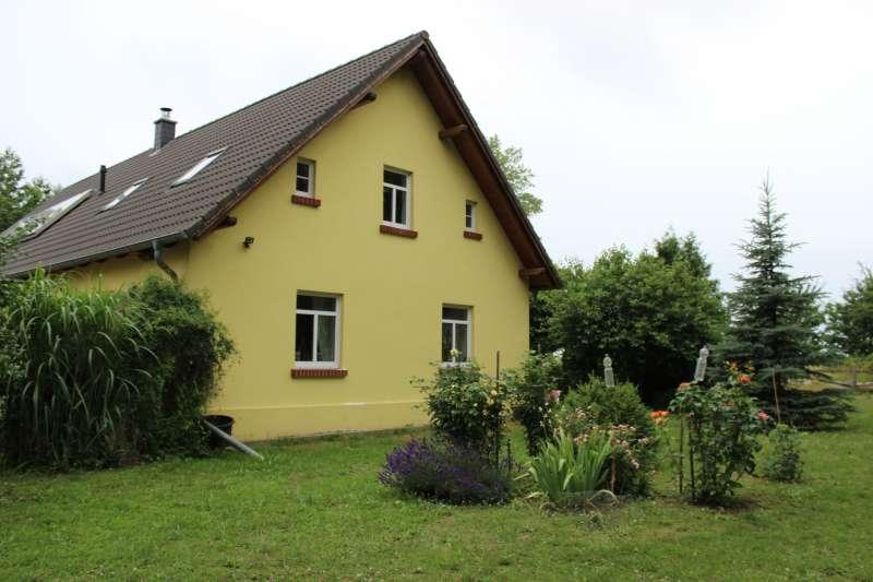 德國鄉間常見的獨棟房子(Einfamilienhaus)。(圖取自Pixabay)