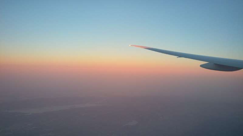 法蘭克福飛往舊金山,降落前看見的夕陽(圖/謝幸吟提供)
