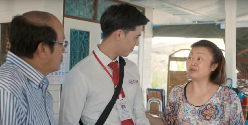 泰國電影《騎機男孩》,泰國知名女歌手「Jennifer Kim」(右)飾演男主角的媽媽(截自YouTube)