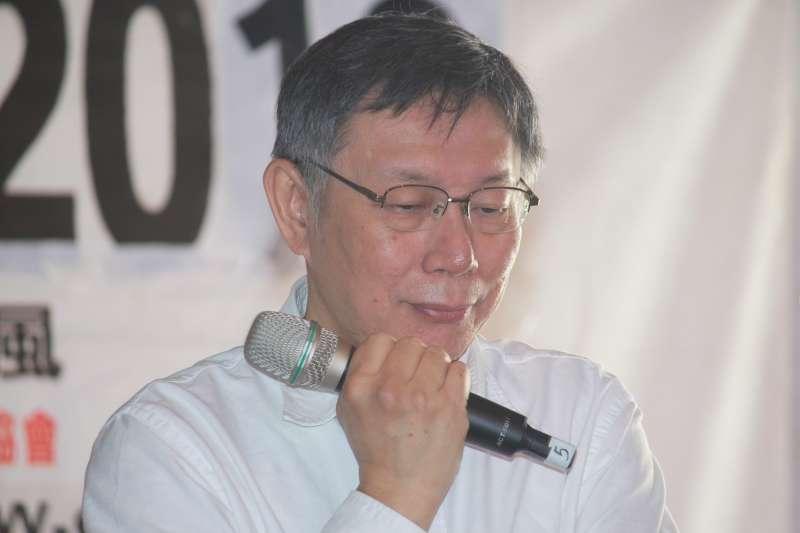 20181215-柯文哲今(15)日前往第18屆牯嶺街書香創意市集活動,對台北市副市長陳景峻可能會被民進黨開除黨籍一事做出回應。(方炳超攝)