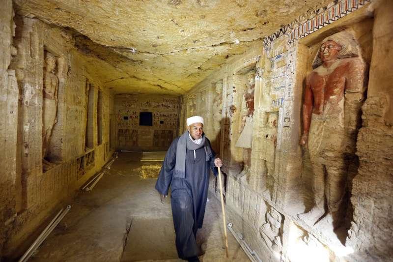 埃及4400年前王室祭司瓦提耶的墓室出土,保存狀況良好(美聯社)