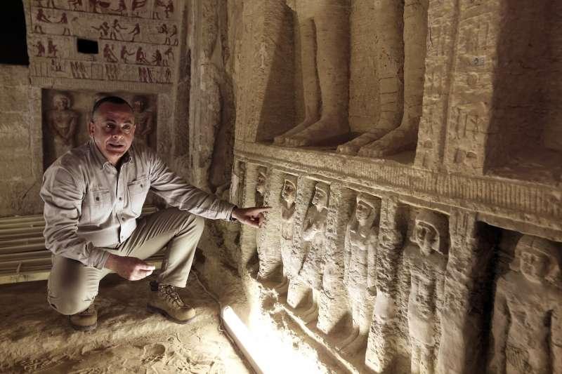 埃及4400年前王室祭司瓦提耶的墓室出土,墓室保存狀況良好(美聯社)