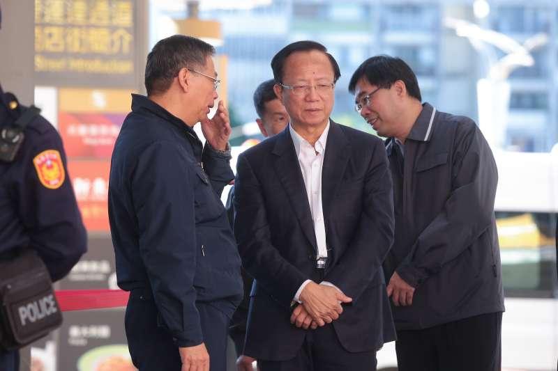 20181219-雙城論壇上海市訪問團成員19日午前抵達台北松山機場,台北市警局長陳嘉昌親自到現場指揮。(顏麟宇攝)