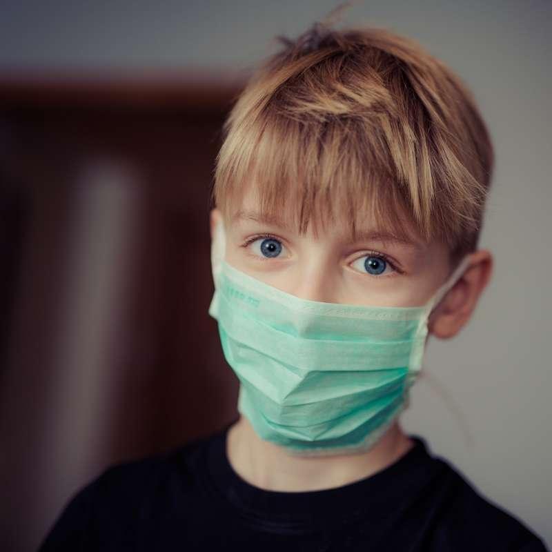 兒童呼吸速度為成年人的兩倍,代表他們所吸入的污染物也多於成年人。(圖/pexels)