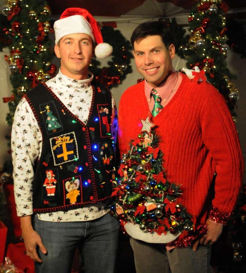 英國人習慣在聖誕節時穿上醜醜的聖誕毛衣。(圖/取自wikimedia)