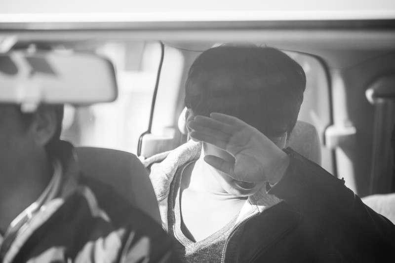 莫名的指控入獄,讓老師的人生變成黑白的。(示意圖/pakutaso)