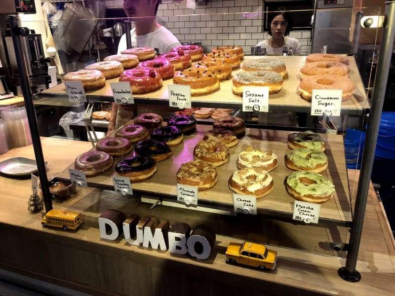 有各式口味,皆為現場製作的甜甜圈。(圖/KKday)