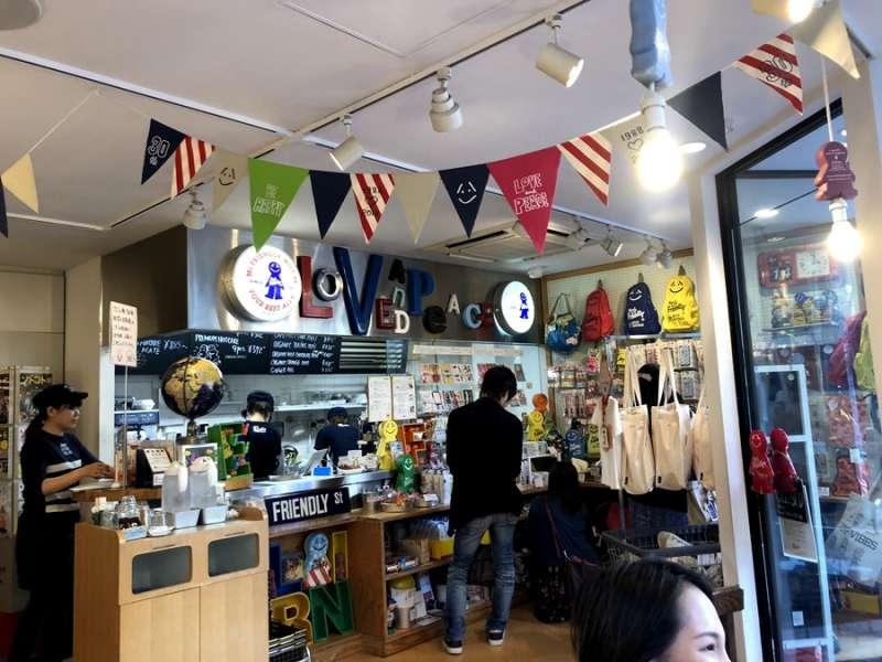 Mr.friendly的開店初衷是:「傳遞這個世界所有開心的事!」(圖/KKday)