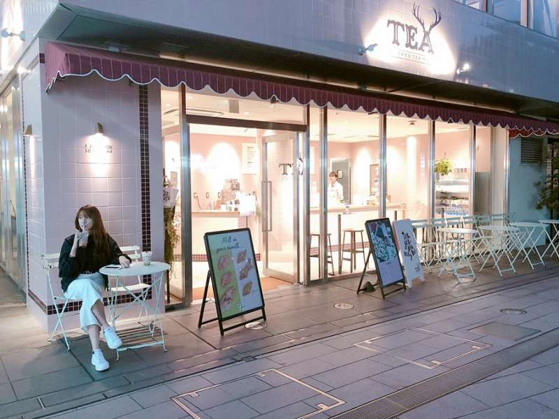 可以用外帶一杯500日圓的價格,在外帶區小憩片刻。(圖/KKday)