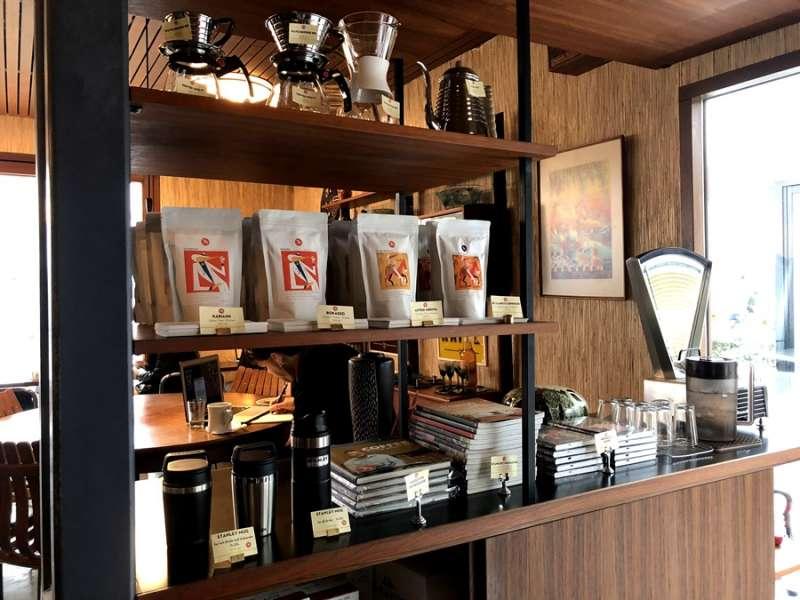 店內也有販售各式各樣咖啡豆、咖啡機、咖啡食譜。(圖/KKday)