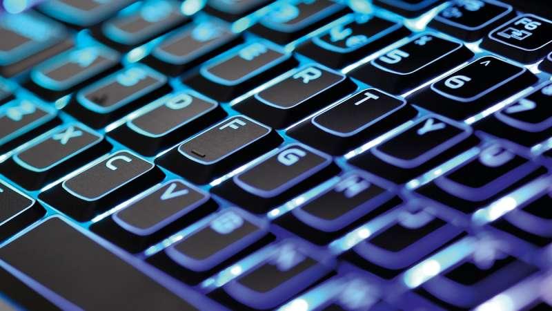 使用較無效率的鍵盤,有時追求的是一種創造力。(圖/愛范兒ifanr)
