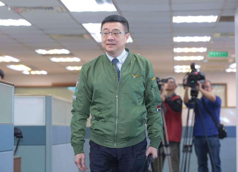 卓榮泰在黨內眾人力拱下參選黨主席,被冠貼上「保皇派」標籤。(顏麟宇攝)