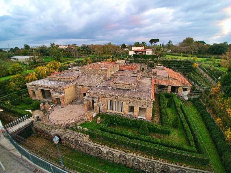 龐貝古城近郊的西元1世紀古蹟「神秘別墅」。(ElfQrin @ Wikipedia / CC BY-SA 4.0)