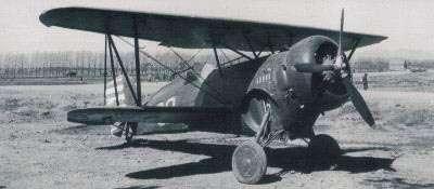 抗戰初期國軍的主力戰鬥機(當時稱為:驅逐機)──霍克三戰機。霍克三戰機原名為FⅡC-3/BF2C-1,出口型代號為「鷹Ⅲ」。而「霍克」就是英文「鷹(Hawk)」的譯音。(作者提供)