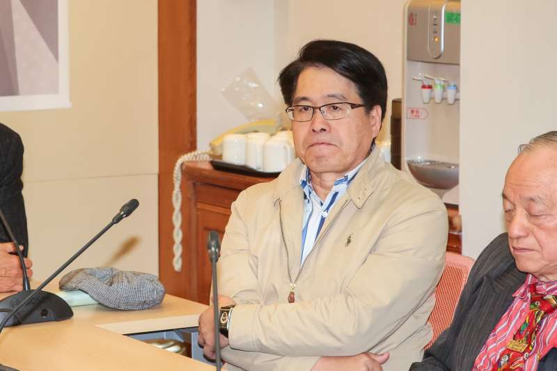 20181228-民進黨主席候選人游盈隆等人28日召開聲援高志鵬委員記者會。(顏麟宇攝)
