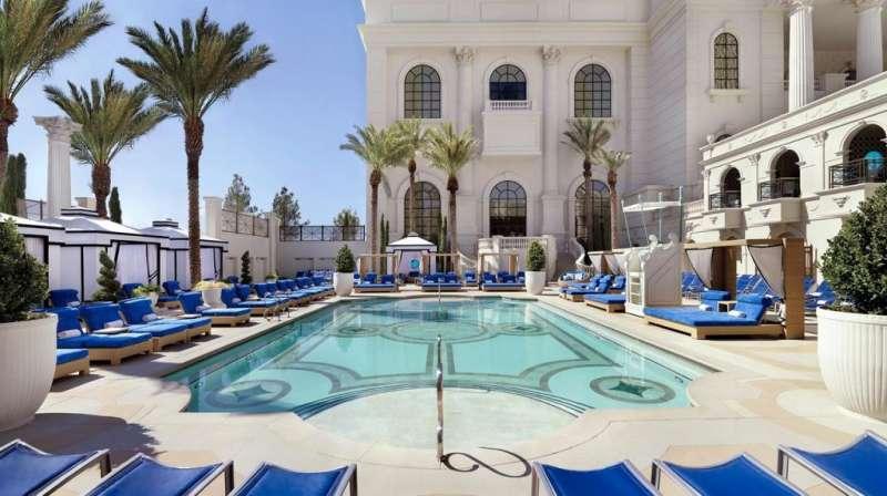 Fontainebleau Miami Beach飯店一景。(圖/瘋設計)