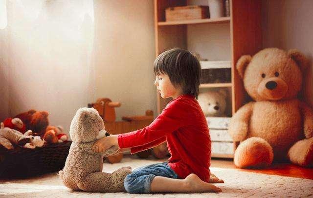 巨額收入與單純快樂地成長成為了這些網紅兒童最大的矛盾。(圖/愛范兒ifanr)