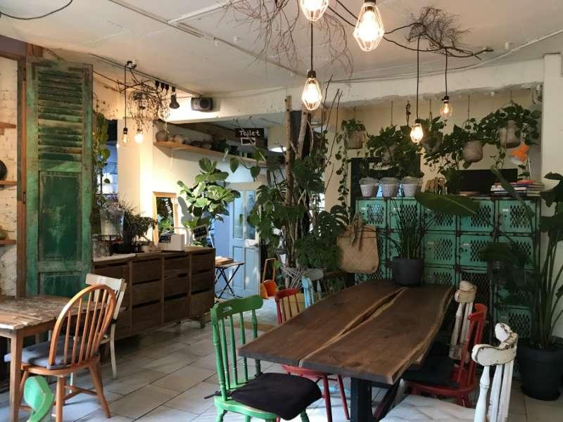 以木製傢俱為主的,鄉村風裝潢。(圖/kkday)