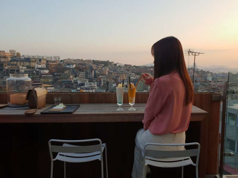 PP SEOUL是間露天頂樓酒吧,有絕佳的觀景位置。(圖/kkday)