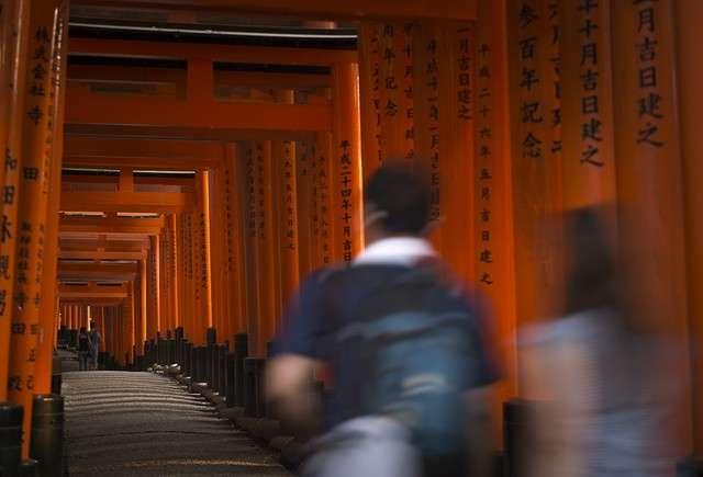 20190110-伏見稻荷大社的參道=攝於2015年6月15日。(圖/潮日本提供)