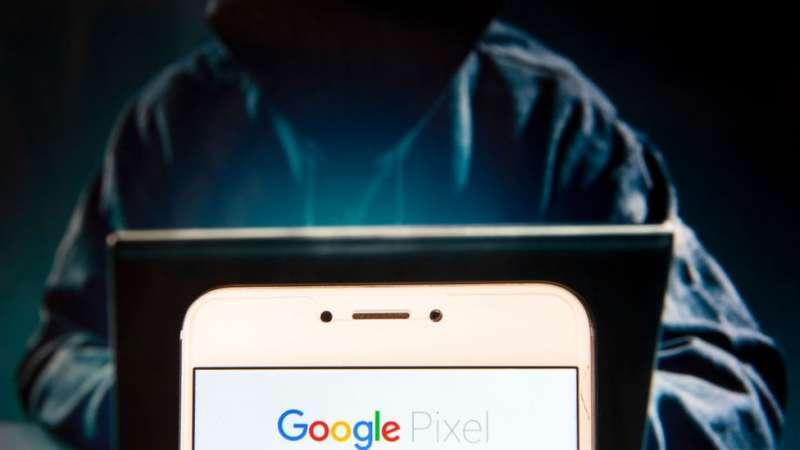 谷歌等軟件在中國遭到屏蔽,一些用戶通過VPN翻牆使用。中國當局管制網絡以前是從技術上封鎖IP,現在已經開始從法律上執行。(圖/BBC中文網)
