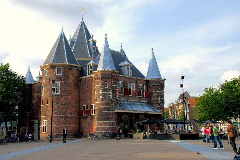 20190112-位於荷蘭阿姆斯特丹的Waag Society藝術與科技中心,設立於古堡內,致力研究文化與科技的互動。(擷取自Google地圖)