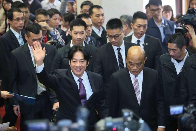 黨政高層強烈慰留賴清德(左)時,小英找蘇貞昌(右)組閣卻意外提前曝光。(柯承惠攝)