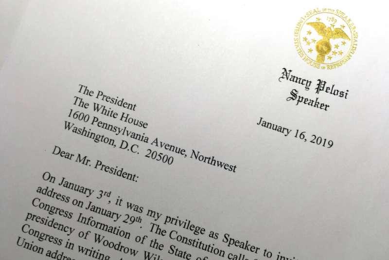 2019年1月16日,美國眾議院議長裴洛西致函建議川普延遲發表國情咨文演說,或改為書面發表。(AP)