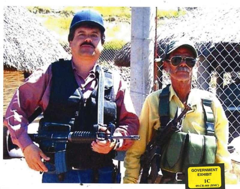 綽號「矮子」的墨西哥毒梟古茲曼(左)。(AP)