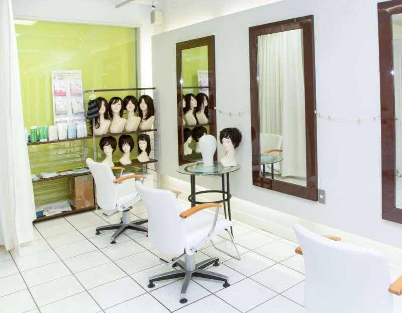 M&HS集團與日本醫療假髮品牌SVENSON合作,在美髮沙龍推出天然洗護產品與醫療用假髮。(圖/綺麗製作所提供)