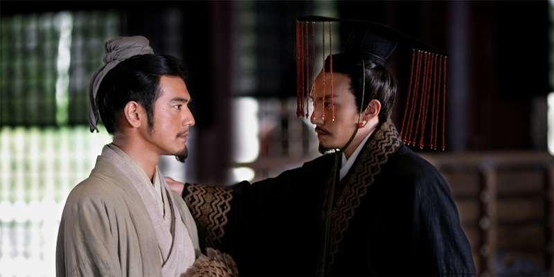 諸葛亮(左)與孫權(赤壁劇照/IMDb)
