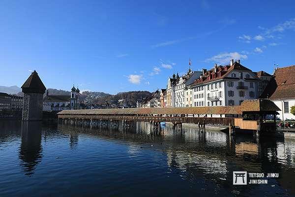 風光明媚的瑞士中部古城琉森,最知名的就是卡佩爾廊橋了,而琉森也是前往瑞吉山的重要轉運站。(圖/想想論壇)