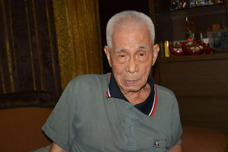 前台灣少年團隊員郭輔義,在受訪時坦承他們的部隊實施共產化教育。(許劍虹提供)