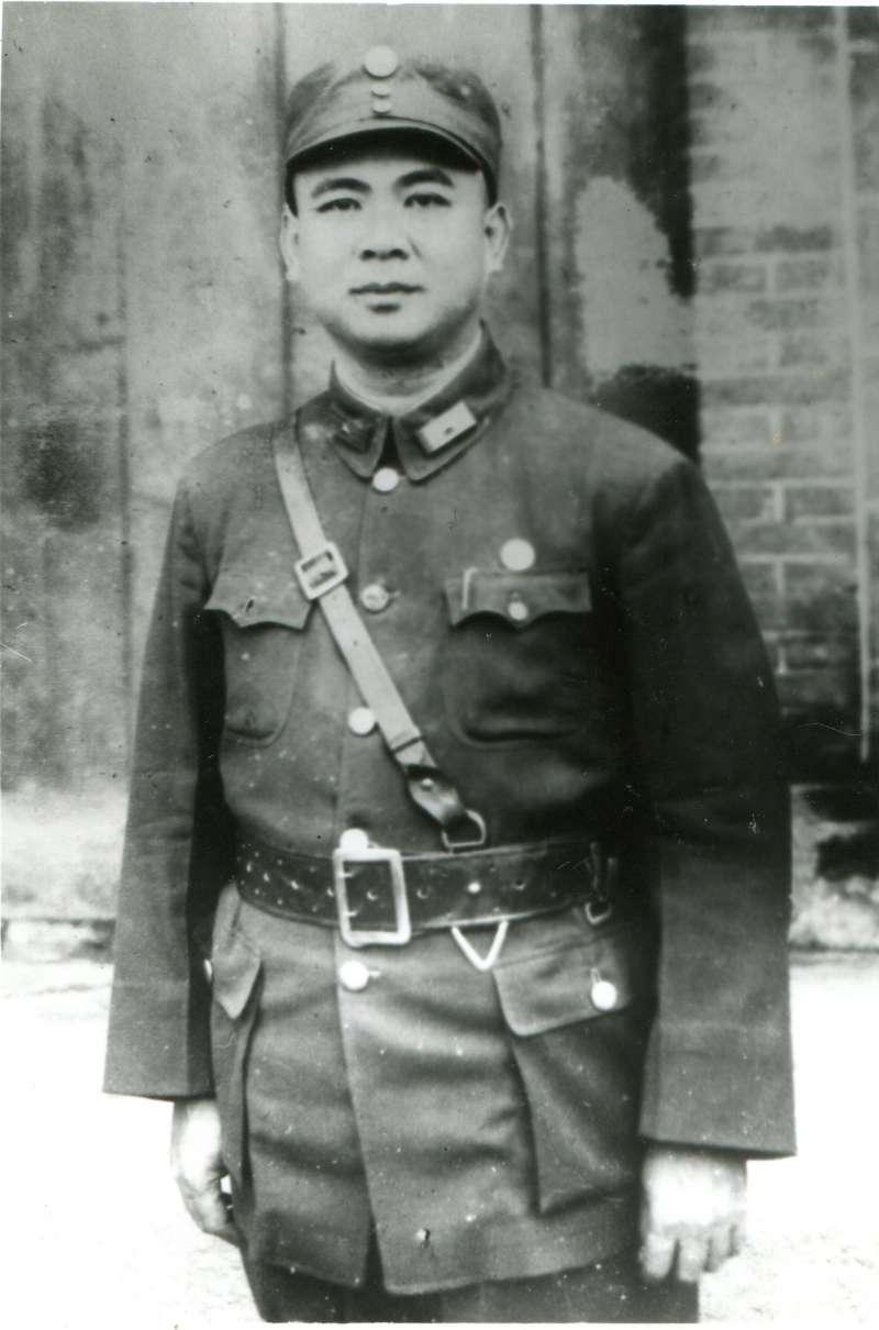 金元鳳的台灣兄弟李友邦,在抗戰時同樣也是一身的中華民國國軍裝扮,他們兩人可都是黃埔軍校的學長學弟。(曾東昇提供)