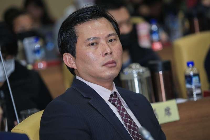 20190124-立法委員黃國昌24日出席交通部普悠瑪罹難者家屬懇談會。(簡必丞攝)